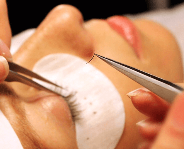 3 Frequently Asked Questions About Eyelash Extensions