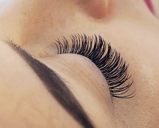 Lash Extensions Fall Out, Agnes dos Santos