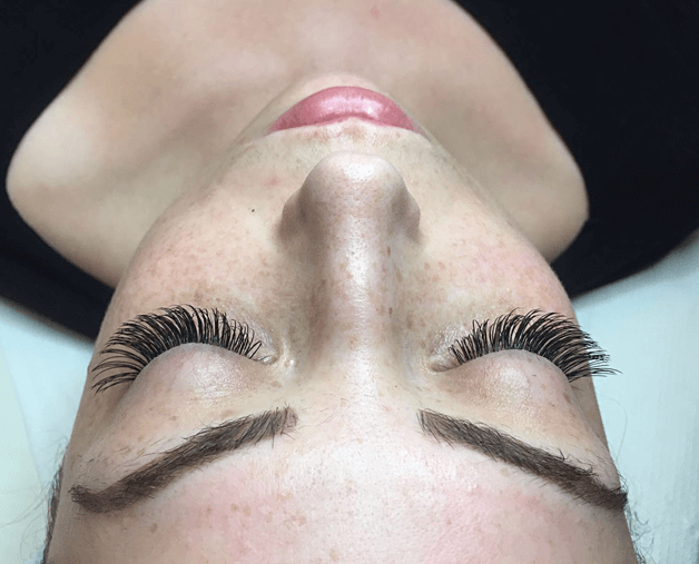 → Where to Get Eyelash Extensions in London? 【FREE Tips】